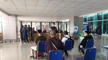 Situasi layanan GeNose C-19 di Bandara Juanda Surabaya pada Kamis 1 April 2021