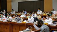 Menteri Sosial Juliari P. Batubara dalam Raker dengan Komisi VIII (07/09).