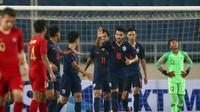 Duel Timnas Thailand U-23 kontra Timnas Indonesia U-23  di laga pembuka Grup K Kualifikasi Piala AFC U-23 2020 di Stadion My Dinh, Hanoi, Jumat (22/3/2019). (Bola.com/Dok. AFC)