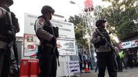 Pengamanan ketat pemindahan napi terorisme dari Mako Brimob ke Nusakambangan. (Foto: Liputan6.com/Muhamad Ridlo)