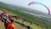 Lomba paralayang bertajuk Paragliding Trip of Indonesia seri satu digelar di Batang Jawa Tengah (dok: Kemenpora)