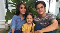 Nicole Elisabeth Rossi mengunggah foto bersama Rizky Nazar dan Dinda Kirana (Instagram)