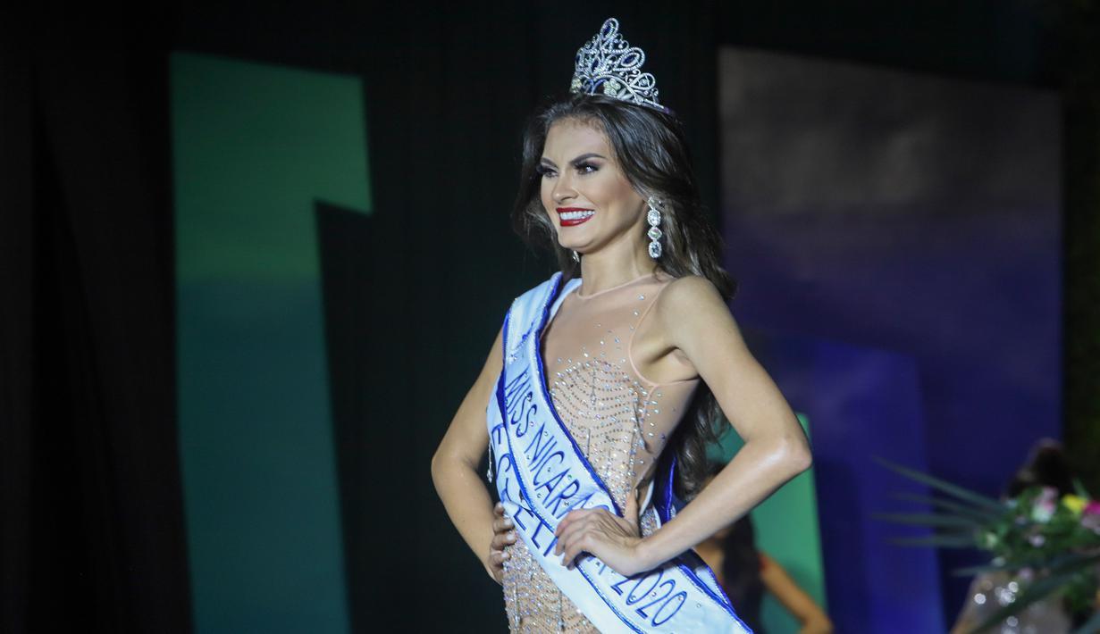 Ana Marcelo, insinyur agroindustri dari Esteli, dinobatkan sebagai Miss Nikaragua 2020 pada malam penyelenggaraan di tengah pandemi Covid-9 di Managua, 8 Agustus 2020. Ana Marcelo dinobatkan di depan audiens yang terbatas dengan tetap menerapkan protokol jarak sosial. (AP Photo/Alfredo Zuniga)