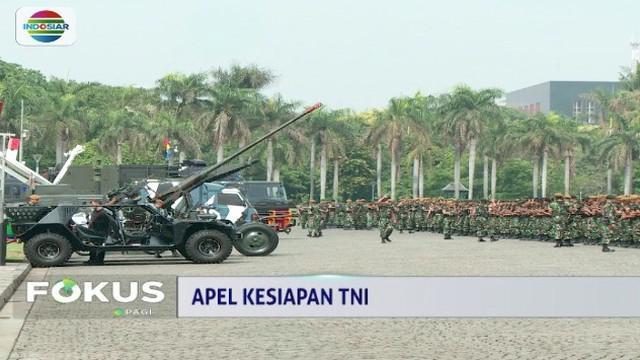 TNI dan Polri gelar apel kesiapan pengamanan Natal, Tahun Baru, dan Pemili 2019 di Monas, Jakarta.
