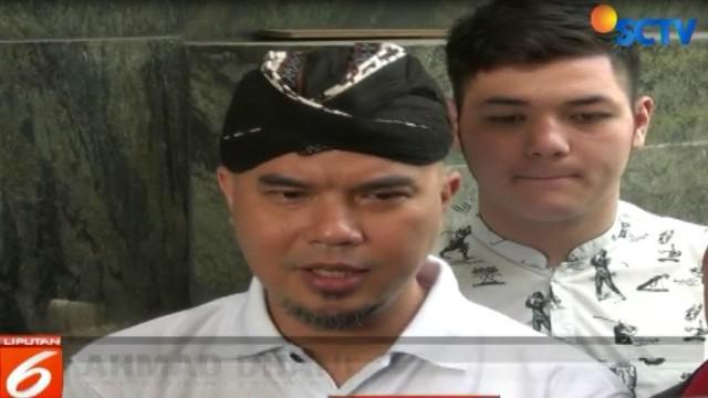 Polda Jawa Timur memberi batas waktu kepada Ahmad Dhani untuk memenuhi panggilan penyidik hingga tanggal 23 Oktober.