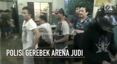 Polres Jakarta Timur menggerebek arena perjudian di Ciracas dan menangkap 16 orang.