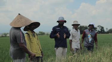 Pupuk Indonesia melakukan edukasi ke petani