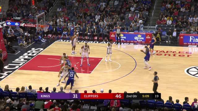 Berita video game recap NBA 2017-2018 antara LA Clippers melawan Sacramento Kings dengan skor 126-105.