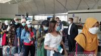 TKI Makau terdampak pandemi Virus Corona COVID-19 pulang ke Indonesia. (Antara)
