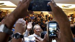 Mantan Wakil PM, Muhyiddin Yassin berbicara dengan awak media di Kuala Lumpur , Malaysia, Rabu (29/7/2015). Perdana Menteri Malaysia Najib Razak memecat wakilnya, Muhyiddin Yassin dalam perombakan kabinet pada 28 Juli 2015. (REUTERS/Olivia Harris)