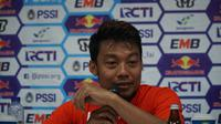 Bek Arema FC Hamka Hamzah serukan perdamaian antar suporter. (Huyogo Simbolon)