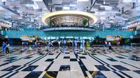 Singapore Changi International Airport (SIN): 62,220,000 passengers in 2017. (sumber: trong nguyen/shutterstock)