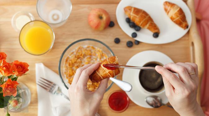 Jangan langsung buang sisa makanan, Anda dapat memanfaatkannya untuk dijadikan makanan baru yang layak dikonsumsi. (Foto: iStockphoto)