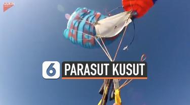 Insiden menegangkan terjadi pada pria ini saat terjun payung. Secara tiba-tiba parasutnya kusut di atas udara.