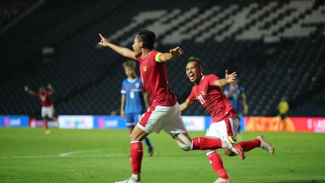 Evan Dimas mencetak gol pertama Timnas Indonesia ke gawang Chinese Taipei dalam leg pertama babak Play-off Kualifikasi Piala Asia 2023 di Chang Arena, Buriram, Kamis (7/10/2021).