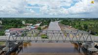 Proses pembangunan jembatan Sei Puting Kalimantan Selatan