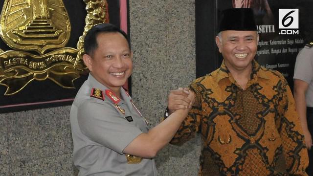 Hubungan KPK dan Polri kembali memanas dipicu oleh pelaporan penyidik senior KPK Novel Baswedan oleh Direktur Penyidikan KPK Brigjen Pol Aris Budiman