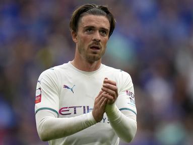 Jack Grealish di rekrut oleh Manchester City pada bursa transfer musim panas ini. Dirinya didatangkan dari Aston Villa dengan harga 100 juta Poundsterling. Nilai tranfernya menjadi yang termahal di Liga Inggris. (Foto: AP/Alastair Grant)
