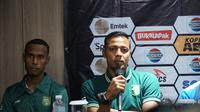 Bejo Sugiantoro ingatkan seluruh pemain Persebaya tidak meremehkan Perseru. (Huyogo Simbolon)