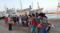 13 ABK WNI yang bekerja di kapal Long Xing telah berhasil dipulangkan dari Senegal ke Indonesia dan tiba di Jakarta pada Senin (10/11/2020). (Photo credit: Kementerian Luar Negeri RI)