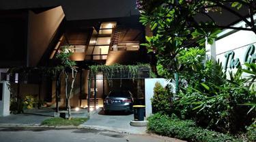 Rumah Industrial Modern Super Keren yang Memanfaatkan Material Daur Ulang