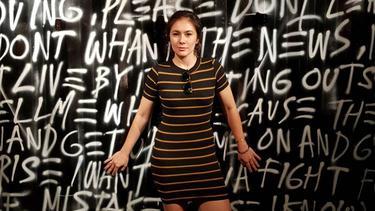 Style Fashion Ala Wulan Guritno Cocok Banget Ditiru Hot Mom