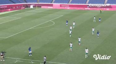 Timnas Brasil berhasil tumbangkan Arab Saudi di laga fase grup dengan skor 3-1. Kemenangan membawa Brasil lolos ke babak perempat final.