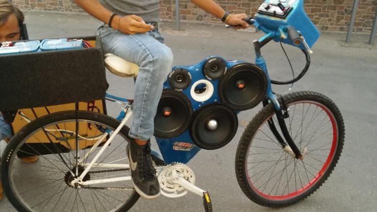 Modifikasi Canggih Pemuda Ciptakan Sepeda Penuh Speaker Citizen6 Liputan6 Com