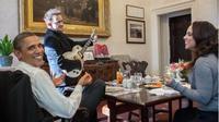 Bono U2 dan Barrack Obama pada 2011 lalu. (Instagram - @petesouza44)