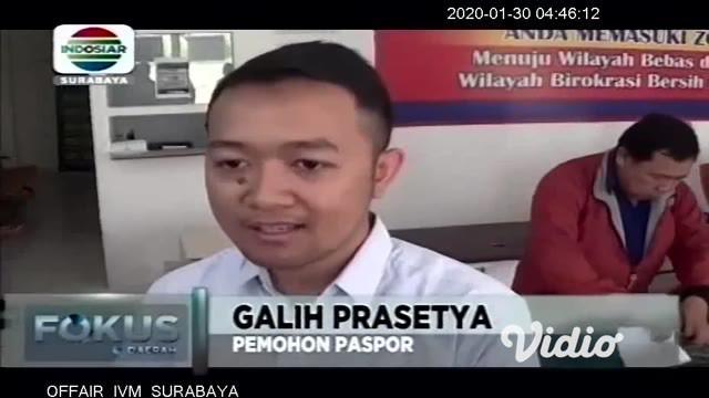 Meski wabah penyebaran virus corona makin meluas ke berbagai negara, rupanya tidak berpengaruh terhadap minat warga Surabaya untuk mengurus permintaan pembuatan paspor, di Kantor Imigrasi Kelas I TPI Tanjung Perak, pemohon paspor tetap ramai.