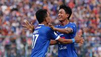 Bek Arema, Ahmad Alfarizi, merendah saat ditanya perihal kans masuk Timnas Indonesia. (Bola.com/Iwan Setiawan)