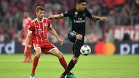 Casemiro menegaskan kemenangan Real Madrid 2-1 atas Bayern Munchen pada leg pertama semifinal Liga Champions di Allianz Arena, Kamis (26/4/2018), bukan sebuah keberuntungan. (Christof STACHE / AFP)