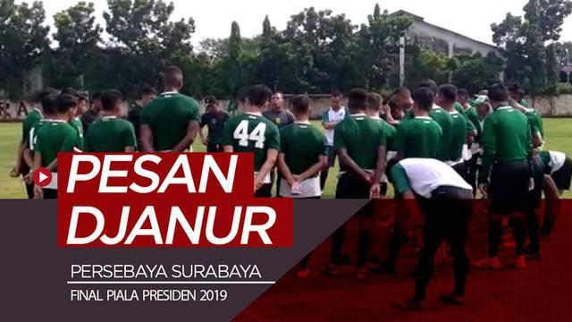 Berita video pesan pelatih Djanur (Djadjang Nurdjaman), yang absen dalam sesi latihan, kepada para pemain Persebaya Surabaya yang disampaikan asisten pelatih Bejo Sugiantoro jelang final leg II Piala Presiden 2019.