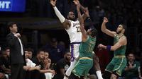 LeBron James membantu Lakers mengalahkan Celtics (AP)