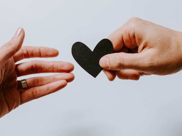 50 Kata Kata Mutiara Bijak Cinta Singkat Romantis Dan Penuh Makna Mendalam Ragam Bola Com