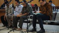 Empat terdakwa perkara suap perizinan proyek Meikarta menjalani sidang dengan agenda tuntutan di Pengadilan Tipikor Bandung. (Huyogo Simbolon)