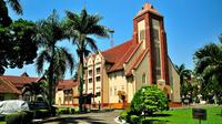 Jika kamu tertarik untuk menikmati pengalaman wisata sejarah di Kota Bogor, berikut adalah beberapa tempat wisata yang bisa kamu kunjungi.