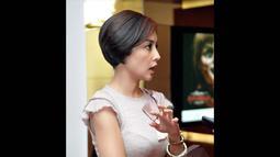Teman-teman memuji penampilan aktris dan pembawa acara itu, yang dianggap lebih segar, Jakpus, Kamis (7/8/2014) (Liputan6.com/Panji Diksana)