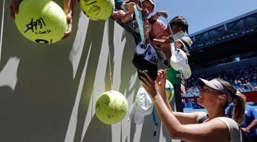 Berebut Tanda tangan Bintang tenis Dunia di Australia