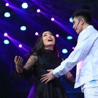 Natasha Wilona dan Verrell Bramasta di HUT SCTV ke-28. (Adrian Putra/Bintang.com)