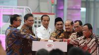 Presiden RI Joko Widodo meresmikan fasilitas produksi PT Solo Manufaktur Kreasi (Esemka) di Boyolali, Jawa Tengah. (Fajar Abrori / Liputan6.com)