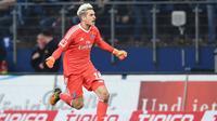 Kiper Hamburg SV asal Jerman, Julian Pollersbeck. (AFP/Carmen Jaspersen)
