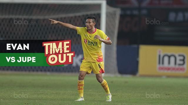 Berita video Time Out kali ini tentang pertemuan tim yang diperkuat Evan Dimas dengan tim Jupe (Achmad Jufriyanto) di Liga Malaysia.
