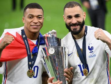 Prancis menjadi kampiun UEFA Nations League 2021 usai membungkam Spanyol 2-1 dalam laga final, Sabtu (10/10/2021). Tercatat ada 5 pemain kunci yang tampil apik dan akhirnya memukul balik Spanyol yang sempat unggul satu gol lebih dahulu. Simak ulasannya. (AFP/Franck Fife)