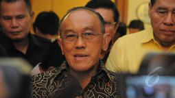 Aburizal Bakrie (Ical) memutuskan menggugat putusan Menteri Hukum dan HAM Yasonna Laoly ke Pengadilan Tata Usaha Negara (PTUN), Jakarta, Selasa (10/3/2015).(Liputan6.com/Herman Zakharia)