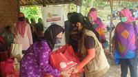 Perjuangan Ekstra Dilakukan Tim YPP demi Mencapai Kelurahan Jonggol - Kabupaten Bogor untuk Memberikan Bantuan Paket Sembako Kepada Warga Lanjut Usia