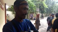 Keluarga korban crane jatuh di Jatinegara mendatangi RS Polri Kramatjati, Jakarta Timur. (Liputan6.com/ Devira Prastiwi)