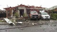 Ledakan hebat di Christchurch, Selandia Baru, menghancurkan sebuah rumah dan 20 bangunan lainnya rusak. (AP)