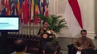 Menteri Luar Negeri RI Retno Marsudi saat menyampaikan pencapaian diplomasi politik luar negeri selama tiga tahun pemerintahan Presiden Joko Widodo (Liputan6.com/Teddy Tri Setio Berty)