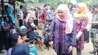 Menteri Sosial Khofifah Indar Parawansa berkunjung ke Kampung Idiot di Kabupaten Ponorogo (Liputan6.com/Dian Kurniawan)